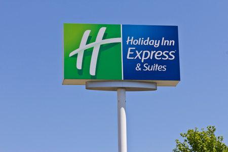 intercontinental: Indianapolis - Circa June 2016: Holiday Inn Express Location. Holiday Inn is a Subsidiary of InterContinental Hotels Group I