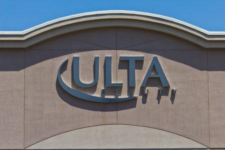 beauty shop: Indianapolis - Circa June 2016: Ulta Salon, Cosmetics & Fragrance Retail Location. Ulta Provides Beauty Products and a Salon IV Editorial