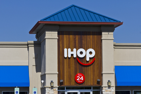 Indianapolis - Circa June 2016: International House of Pancakes. IHOP is a Restaurant Chain Offering a Variety of Breakfast and Dinner Meals III Editorial