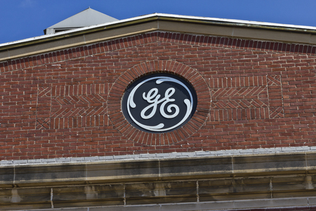 planos electricos: Pie. Wayne, IN - Circa 2016 julio: General Electric Factory. GE es el world�s Digital Industrial Company IX Editorial