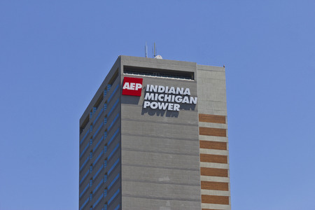 hertz: Ft. Wayne, IN - Circa July 2016: Indiana Michigan Power Center, Headquarters of Indiana Michigan Power, a Division of American Electric Power (AEP)