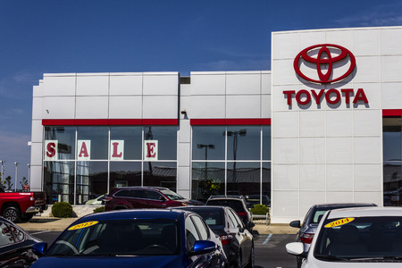 automaker: Muncie, IN - Circa July 2016: A Local Toyota Car and SUV Dealership. Toyota is a Japanese Automaker Headquartered in Toyota, Aichi, Japan II