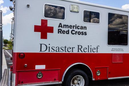 インディ アナポリス - 2016 年 8 月頃: アメリカの赤十字災害救援バン。アメリカの赤十字は緊急支援・災害救援を提供します私 報道画像