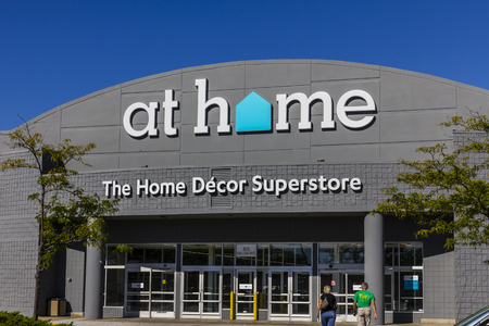 specializes: Indianapolis - Circa August 2016: At Home Retail Chain Location. At Home Specializes in Home Decor, Furnishings and Decorative Accents I