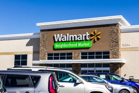 インディ アナポリス - 2016 年 8 月頃: ウォルマートの直営店。ウォルマートは、アメリカの多国籍小売株式会社 VII 報道画像