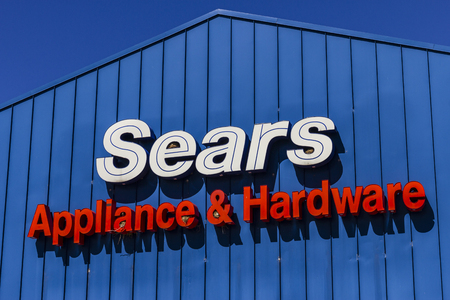 sears: Indianapolis - Circa August 2016: Sears Appliance and Hardware Retail Location. Sears is a Subsidiary of Sears Holdings V Editorial