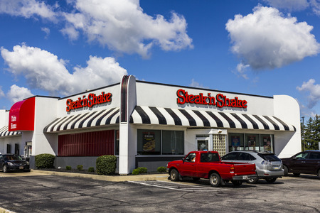 Muncie - Circa September 2016: Steak n Shake Retail Fast Casual Restaurant Chain. Steak n Shake is Located in the Midwest and Southern U.S. I