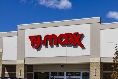 retail chain: Muncie - Circa September 2016: T.J. Maxx Retail Store Location. T.J Maxx is a discount retail chain featuring stylish brand-name apparel, shoes and accessories II