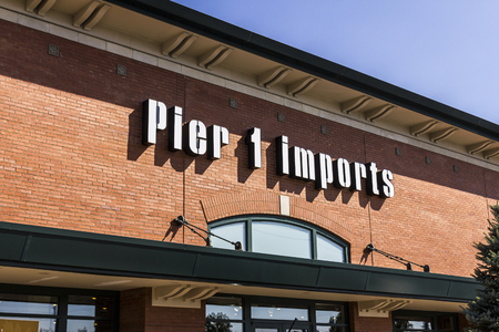 home furnishings: Indianapolis - Circa September 2016: Pier 1 Imports Retail Strip Mall Location. Pier 1 Imports Home Furnishings and Decor I