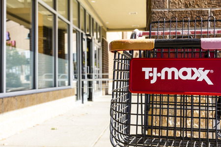Kokomo - Circa October 2016: T.J. Maxx Retail Store Location. T.J Maxx is a discount retail chain featuring stylish brand-name apparel, shoes and accessories IV Sajtókép