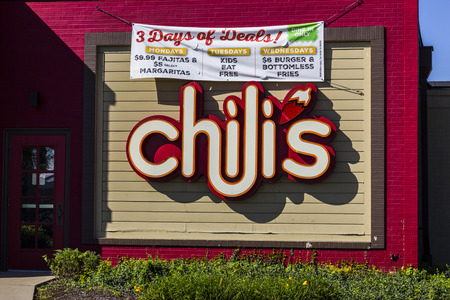 chili's restaurant: Indianapolis - Circa October 2016: Chilis Grill & Bar Casual Dining Restaurant. Chilis is known for its Baby Back Ribs I