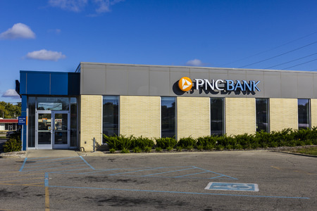 bank branch: Anderson - Circa October 2016: PNC Bank Branch. PNC Financial Services offers Retail, Corporate and Mortgage Banking VII