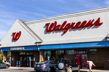 pharmaceutical company: Indianapolis - Circa November 2016: Walgreens Retail Location. Walgreens is an American Pharmaceutical Company VIII