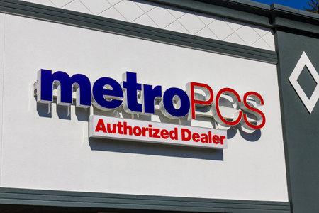 part of me: Indianápolis - alrededor de noviembre de 2016: MetroPCS al por menor Ubicación. MetroPCS es un servicio inalámbrico prepago que es parte de T-Mobile Me