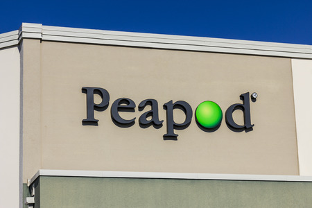 Indianapolis - Circa November 2016: Peapod Grocery Delivery Service and Online Grocery Ordering Warehouse Editöryel