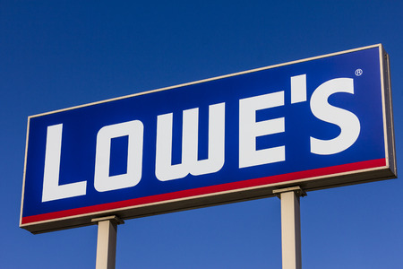 improvment: Indianapolis - Circa November 2016: Lowes Home Improvement Warehouse. Lowes Helps Customers Improve the Places They Call Home III Editorial