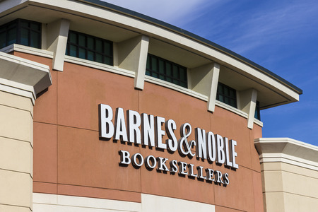 retailer: Indianapolis - Circa November 2016: Barnes & Noble Retail Location. Barnes & Noble is a leading retailer of content and digital media in the US V Editorial