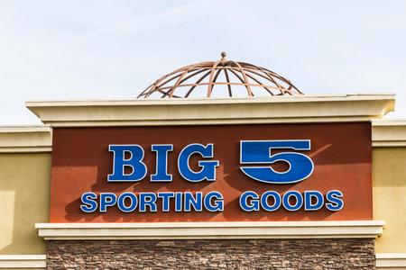 big 5: Las Vegas - Circa December 2016: Big 5 Sporting Goods Stip Mall Location. Big 5 Sporting Goods is a sporting goods retailer III