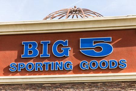 big 5: Las Vegas - Circa December 2016: Big 5 Sporting Goods Stip Mall Location. Big 5 Sporting Goods is a sporting goods retailer II Editorial