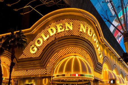 part of me: Las Vegas - Alrededor de diciembre de 2016: neón exterior de la pepita de oro. La pepita de oro abrió en 1946 y es parte de lo de Landry Editorial