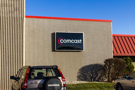 Lafayette - Circa December 2016: Comcast Service Center. Comcast is a multinational mass media company X