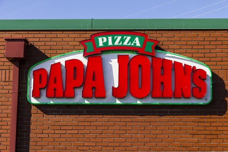インディ アナポリス - 2017 年 2 月頃: パパジョンのテイクアウトのピザ レストラン。パパ ・ ジョンズは 3 番目に大きい、テイクアウトとピザ デリ