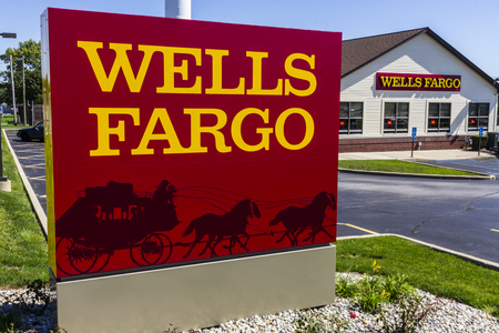 Ft. Wayne - Circa September 2016: Wells Fargo Retail Bank Branch. Wells Fargo is a Provider of Financial Services X 報道画像