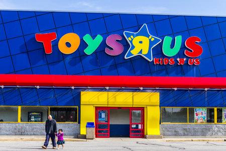 インディ アナポリス - 2017 年 2 月頃: おもちゃ「R」私達の小売ストリップ モールの場所。おもちゃ「R」私達は子供のおもちゃ小売業者私