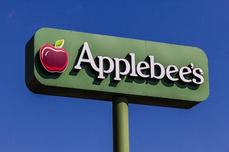 Indianapolis - Circa February 2017: Applebee's Neighborhood Grill and Bar Casual Restaurant. Applebee's is a subsidiary of DineEquity, Inc. IV Editorial