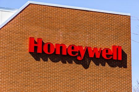 Muncie - Circa March 2017: Honeywell International Maxon Factory. Maxon makes Industrial Burners and Combustion Equipment I 報道画像