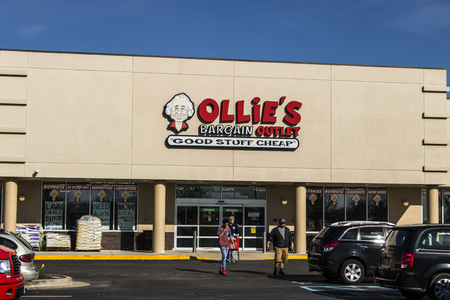 housewares: Lafayette - Circa April 2017: Ollies Bargain Outlet. Ollies Carries a Wide Range of Closeout Merchandise IV Editorial