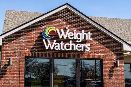 stockholder: Lafayette - Circa April 2017: Weight Watchers Meeting Location. Oprah Winfrey is a Weight Watchers Spokesperson and Stockholder IV