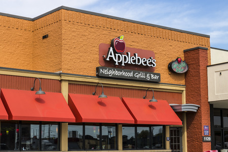 Marion - Circa April 2017: Applebees Neighborhood Grill and Bar Casual Restaurant. Applebees is a subsidiary of DineEquity, Inc. V