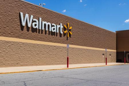 インディ アナポリス - 2017年 5 月年頃: ウォルマートの直営店。ウォルマートは、アメリカの多国籍小売株式会社 XII