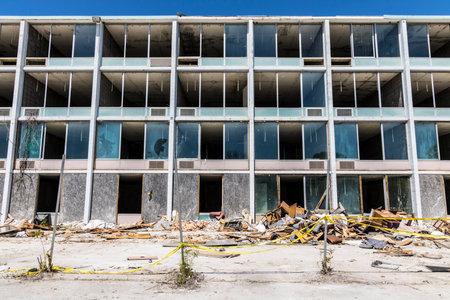ラファイエット - 2017 年 6 月頃: 放棄されたホテル、破壊と盗賊はテレビや家具の IV の多くを盗まれています。 報道画像