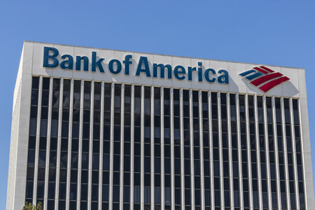 라스베가스 - 2017 년 7 월경 : 뱅크 오브 아메리카 은행 및 대출 지점. 뱅크 오브 아메리카는 금융 및 금융 서비스 회사 VI 임 스톡 콘텐츠 - 82536844
