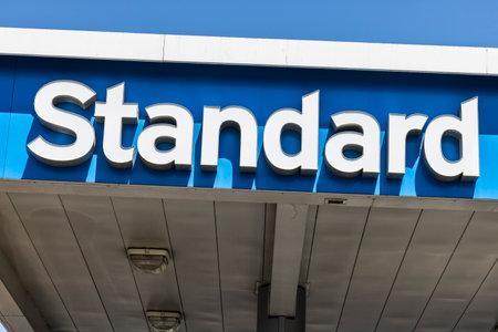 Las Vegas - Circa juli 2017: standaard olie benzinestation. De standaardnaam is een handelsmerk van de Chevron Corporation V