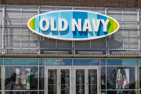 Indianapolis - Circa July 2017: Old Navy Retail Mall Location. Old Navy is a Division of Gap Inc. V Sajtókép