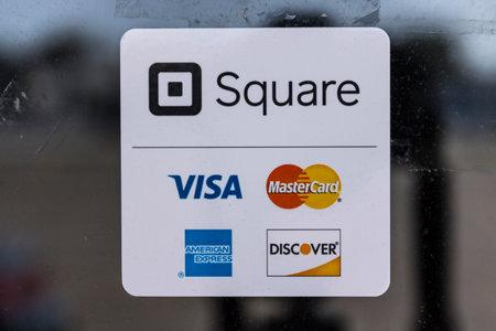 ココモ - 2017 年 8 月頃: 近代的なクレジット等広場、ビザ、マスター カード、アメリカン エキス プレス、発見 II