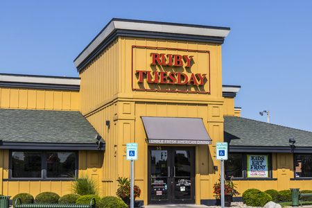 Kokomo - Circa August 2017: Ruby Tuesday Casual Restaurant Location. Ruby Tuesday is famous for its Salad Bar IV