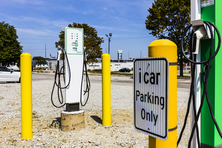 indianapolis: Indianapolis - Circa September 2017: Schneider Electric EVlink Fast Charge Electric Vehicle Charger. EVlink provides rapid charging of modern electric vehicles Editorial