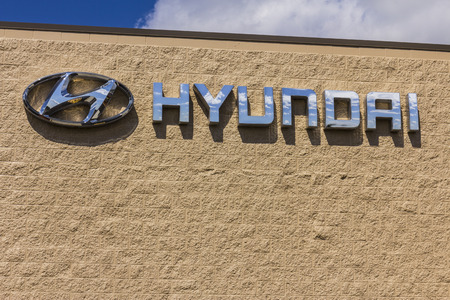 Indianapolis - Circa September 2017: Hyundai Motor Company Dealership. Hyundai is a South Korean Multinational Automotive Manufacturer XII Editöryel