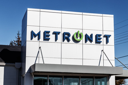 Lafayette - Circa February 2018: Local MetroNet retail store. MetroNet offers business and residential fiber optic internet, IPTV and phone service I Редакционное
