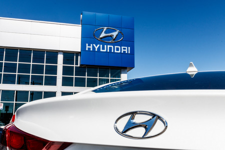 Indianapolis - Circa March 2018: Hyundai Motor Company Dealership. Hyundai is a South Korean Multinational Automotive Manufacturer II Stok Fotoğraf - 96950528
