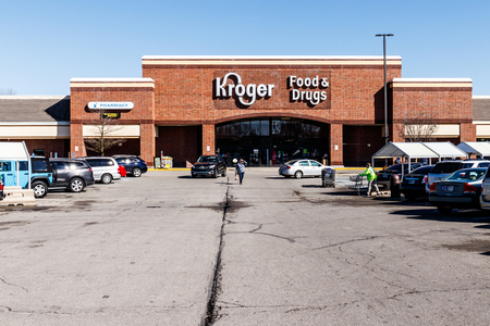 Noblesville - Circa March 2018: Kroger Supermarket. The Kroger Co. is One of the Worlds Largest Grocery Retailers V Sajtókép