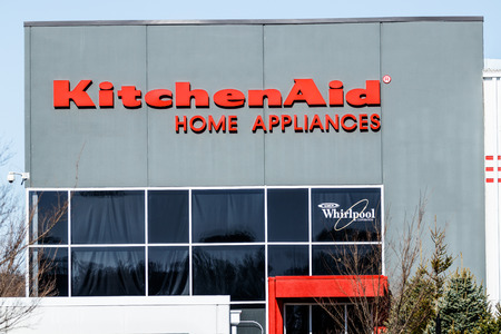 Greenville - Circa April 2018: KitchenAid Greenville operations factory, where Whirlpool produces KitchenAid brand mixers, hand mixers and blenders II Publikacyjne