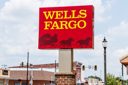 Monticello - Circa June 2018: Wells Fargo Signage and Logo. Wells Fargo is selling all its branches in three Midwestern states II 報道画像