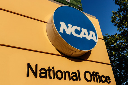 Indianapolis - Circa July 2018: National Collegiate Athletic Association Headquarters. The NCAA regulates athletic programs of many colleges and universities III Banco de Imagens - 112207208