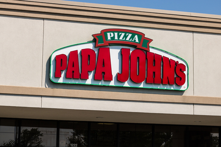 Mishawaka - Circa August 2018: Papa Johns Take-Out Pizza Restaurant. Controversial founder John Schnatter has been forced out as CEO II