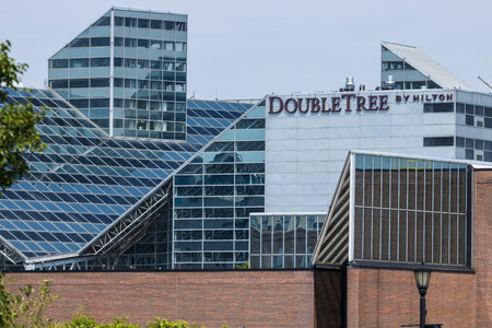 South Bend - Circa August 2018: Doubletree Hotel. Doubletree is a Hilton Hotels property I 에디토리얼